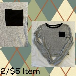 🚘2/$5 Gray Long Sleeve Crop Top With Black Pocket